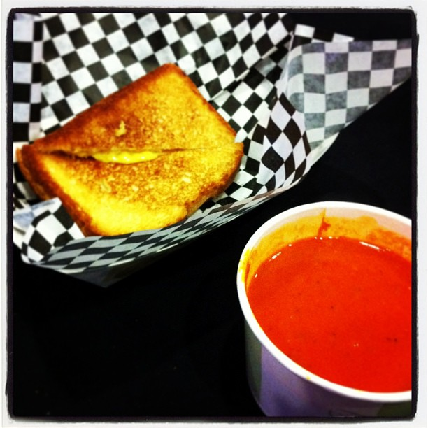 "{ #SXSW2013} Best combo! Savory grilled cheese sandwiches + tomato basil soup before the talk & screening of ""Downloaded"" (Napster)!☆"