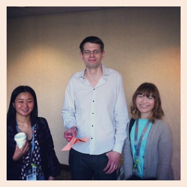 { #SXSW2013} Spectacular session on Analog Souvenir! Ryan Bigge (Nurun, Toronto) holding a tweet2hold bird ^ v ^☆ 手に取れるツイート!