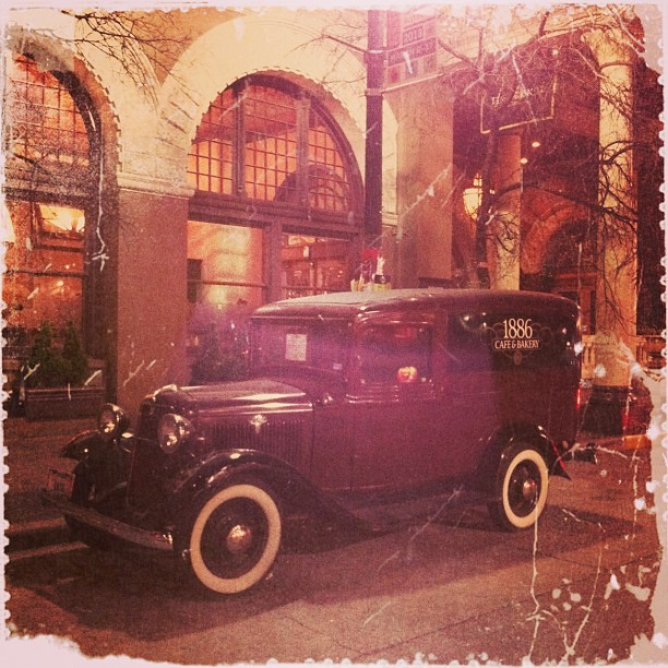 { #SXSW2013} Yet another slip-back-in-time vehicle parked in front of THE DRISKILL☆