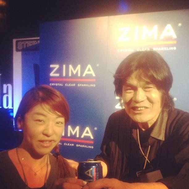 国際がプロデュースに参加したZimaキャンペーンのロボット制作者、河口教授と!