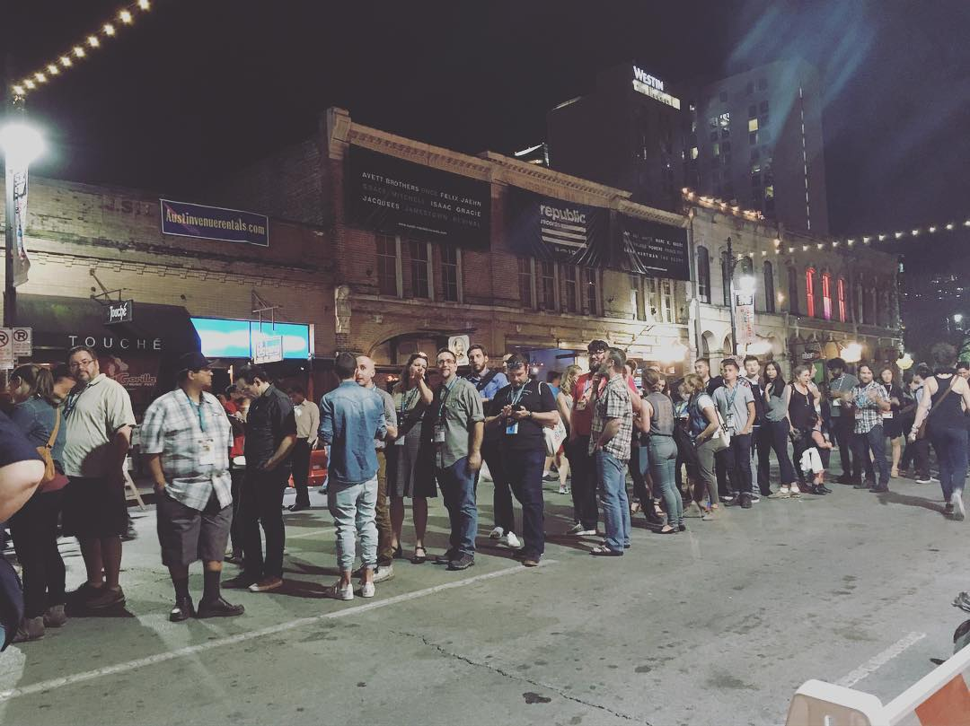 Endless line for Japan House