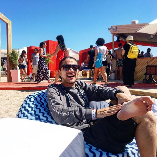 Riki at YouTube beach