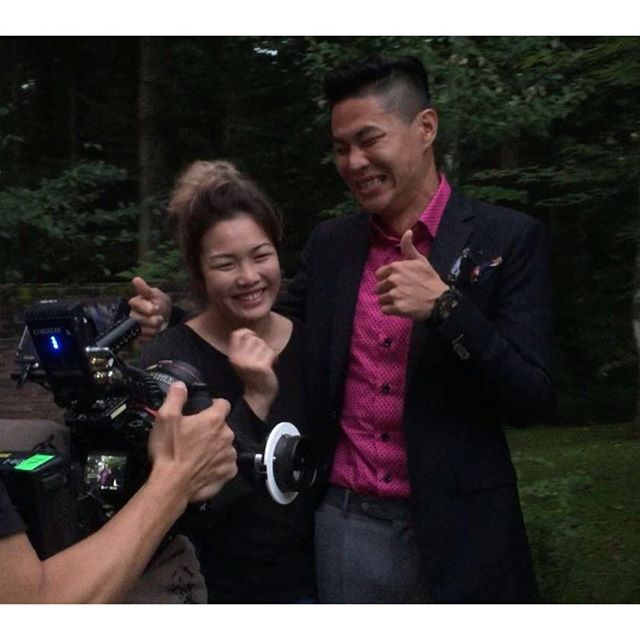 Zhiyun got proposed on set today! and she said yes!!congrats!!撮影現場でプロポーズ!!はい、いただきました〜!#heflewinasasurprise#awesome #shoottoremember#shootinginjapan