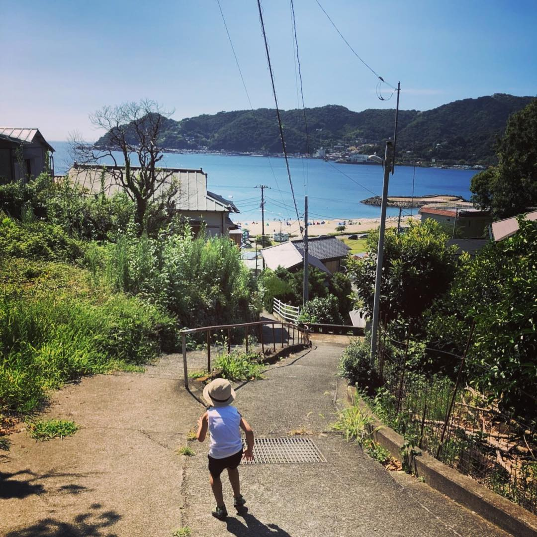 Beautiful beach area just less than an hour away from the center of Tokyo