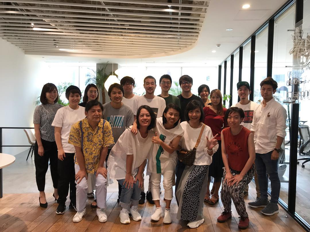 "from Vietnam came to our office today! is a subsidiary of AOI Pro. GLOBAL !! Please check their work by searching ""viewfinder.vn"""