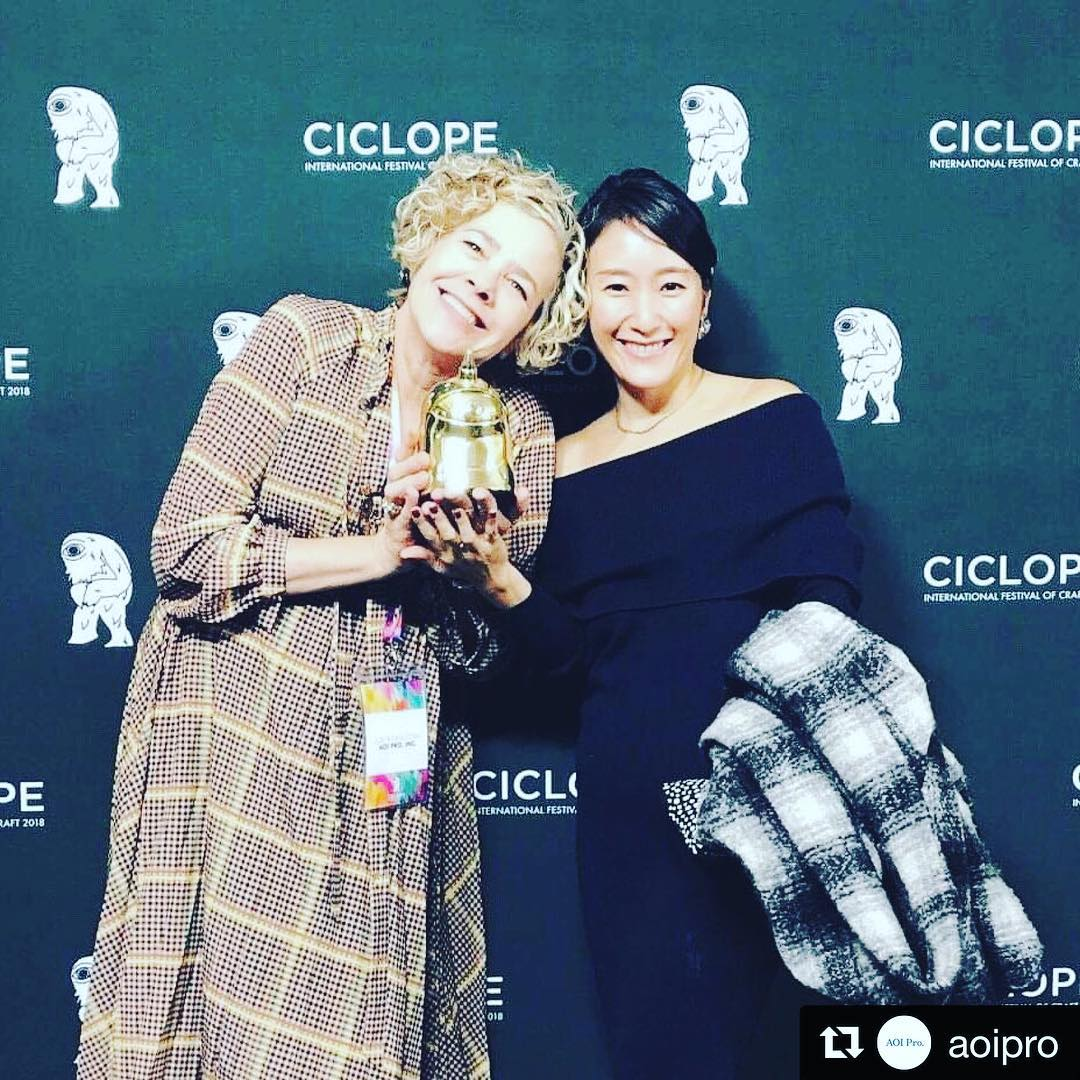 """@julesthomastoda and @aiyamamoto accepting a GOLD on behalf of the team :))) @aoipro ・・・ """"SAMURAI NOODLES -THE ORIGINATOR-"""" produced by AOI Pro. won a GOLD in Animation at CICLOPE Festival 2018!  Julie Thomas and Ai Yamamoto received the trophy on behalf of the production team! ・・・  #"""