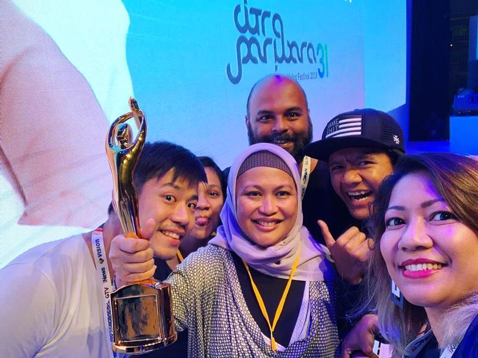 Think Tank Indonesia, @directorsthinktank 's branch in #Indonesia, received the Production House of the Year award at the 2018 Citra Pariwara! They picked up 15 other awards in 3 categories - 2 Gold, 6 Silver and 7 Bronze awards. Congratulations!