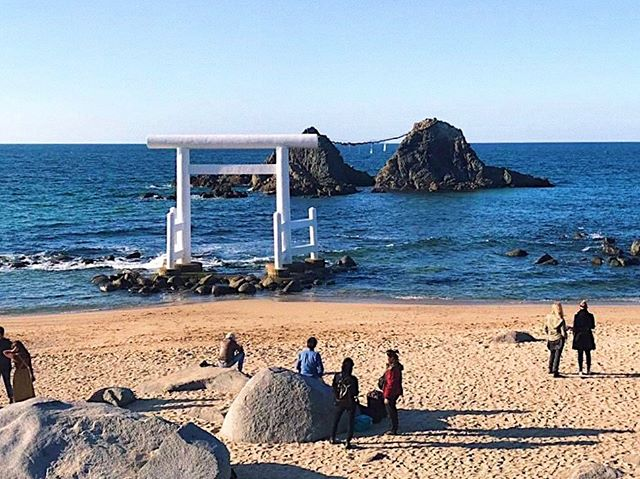"_ Here's this week's update of  #shootinjapan from AOI Global at Sakurai Futamigaura, Itoshima city and Fukuoka prefecture!  ""Married Couple Rock"" + White torii gate   #aoiglobal  #filmproduction  #productioncompany  #filmmakersworld  #productionservices  #shootinglocation  #filmwork  #filmmakinglife  #onlocationshoot  #weeklyinspiration"