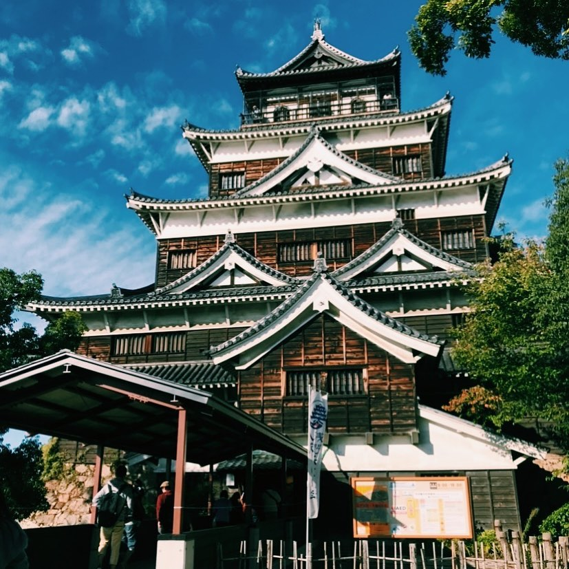 _ Here's this week's from AOI Global at Hiroshima Castle.   Hiroshima Castle was the home of the daimyo (feudal lord) of the Hiroshima clan.  This castle was originally constructed in the 1590's, but was destroyed by the atomic bombing in 1945. The castle was rebuilt in 1958, as a replica of the original, and now serves as a museum of Hiroshima's history.  #weeklyinspiration #remoteshooting