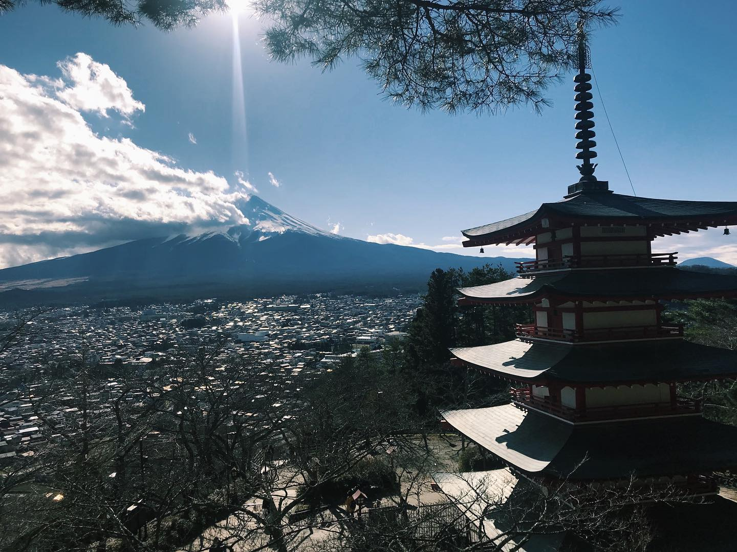 _ Here's today's from AOI Global at Arakura Sengen Shrine in Yamanashi Prefecture.   This beautiful shrine is a hotspot for tourists in Japan.   Mt Fuji erupted once in 807 A.D. under the reign of the 51st Emperor Heijo. In August of the same year, an imperial envoy from the Imperial Court went to this shrine to conduct a fire extinguishing ceremony for the safety of the land.  This ceremony is held every 60 years and is a special ritual in which the gods weave and change their garments while keeping themselves clean for a week at the shrine.  #weeklyinspiration #remoteshooting